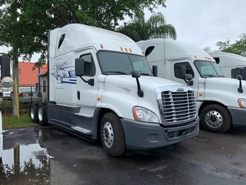 2015 Freightliner Cascadia for sale in Orlando, FL