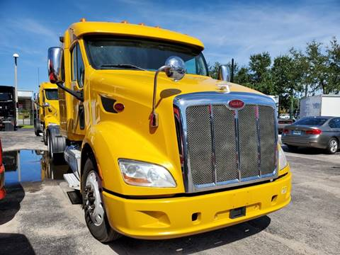 2015 Peterbilt 587 for sale in Orlando, FL