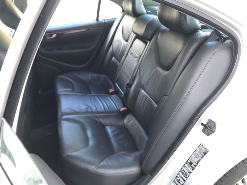 2006 Volvo S60 2.5T 4dr Sedan - Kansas Cuty MO