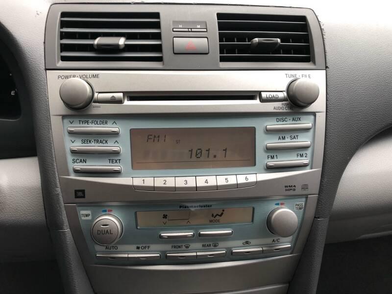 2009 Toyota Camry Hybrid 4dr Sedan - Kansas Cuty MO