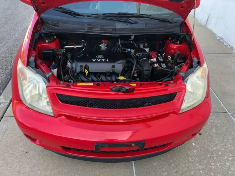 2005 Scion xA 4dr Hatchback - Kansas Cuty MO
