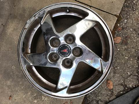 Pontiac Chrome Wheel Rim for sale in Canfield, OH