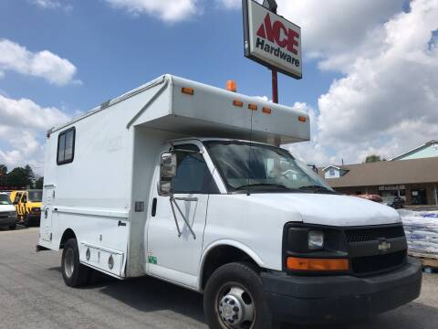2005 Chevrolet Express Cutaway for sale at ACE HARDWARE OF ELLSWORTH dba ACE EQUIPMENT in Canfield OH