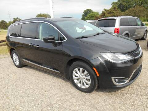 2017 Chrysler Pacifica for sale at Unity Motors LLC in Jenison MI