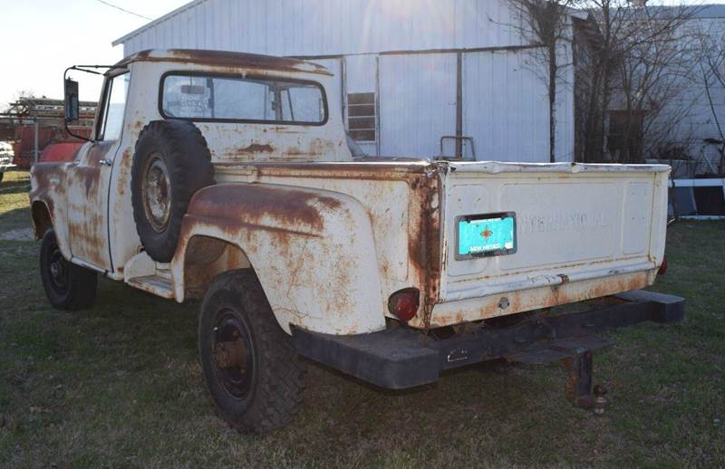 1961 International B-120 4 X 4 B-120 - Pilot Point TX