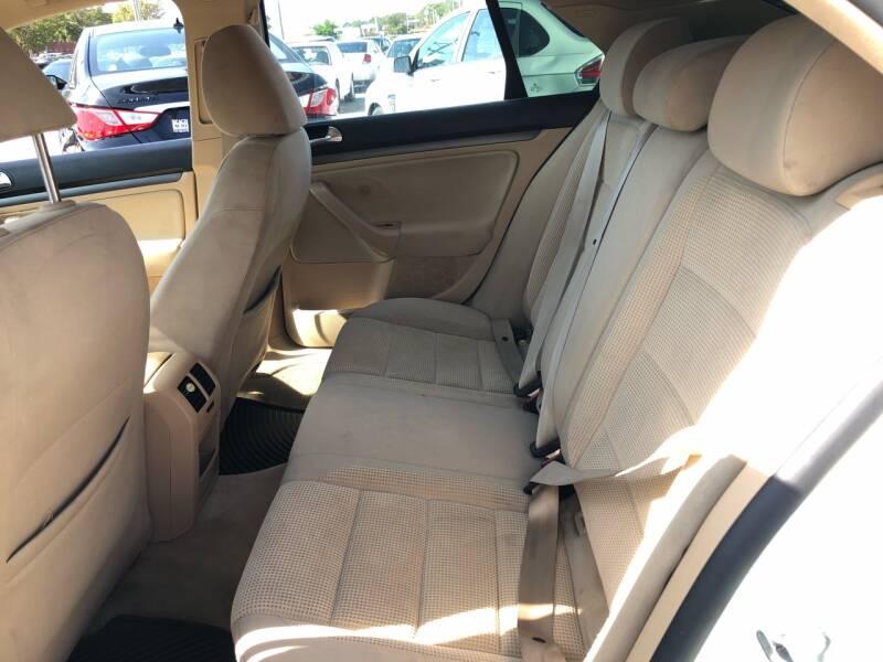 2009 Volkswagen Jetta S 4dr Sedan 5M - Virginia Beach VA