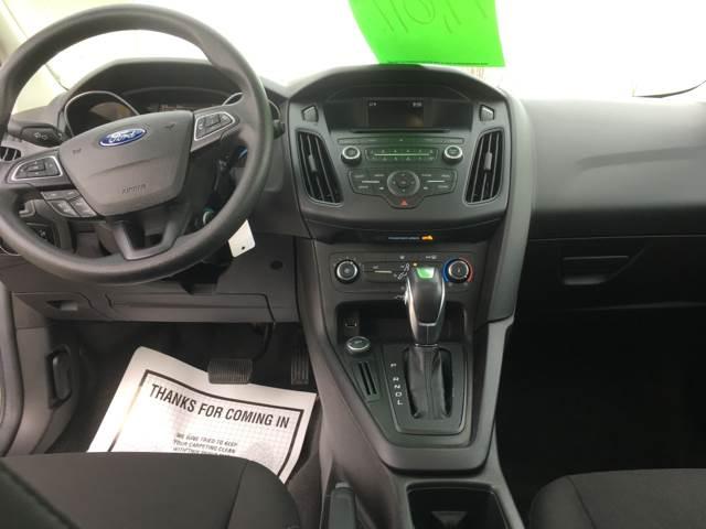 2016 Ford Focus SE 4dr Hatchback - Sturgeon Bay WI