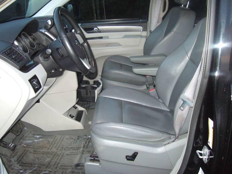 2010 Volkswagen Routan SE 4dr Mini-Van In Schoolcraft MI - Carmart