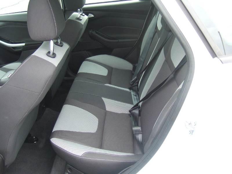 2012 Ford Focus SE 4dr Sedan - Schoolcraft MI