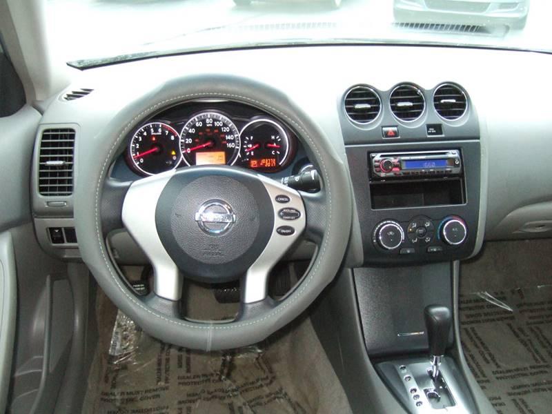 2010 Nissan Altima 2.5 4dr Sedan - Schoolcraft MI