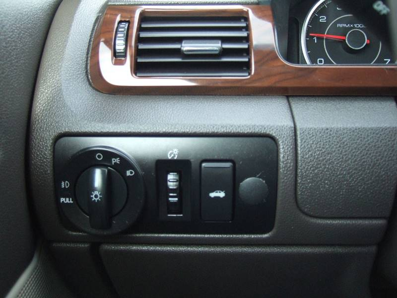 2008 Ford Taurus SEL 4dr Sedan - Schoolcraft MI