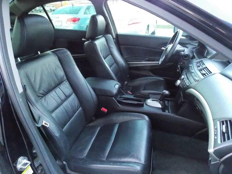 2008 Honda Accord EX-L 4dr Sedan 5A w/Navi - Kenosha WI