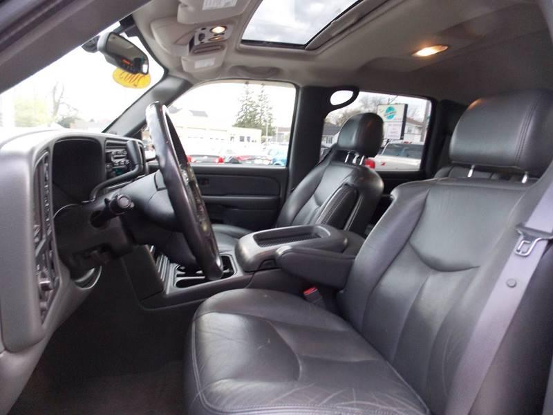 2005 GMC Sierra 1500 4dr Crew Cab SLT 4WD SB - Kenosha WI