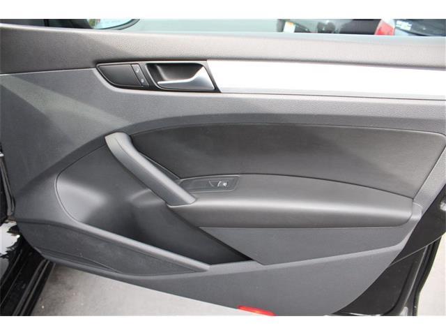 2012 Volkswagen Passat SE PZEV Sun Roof, Leather, Super Clean, Luxurious! - Sacramento CA