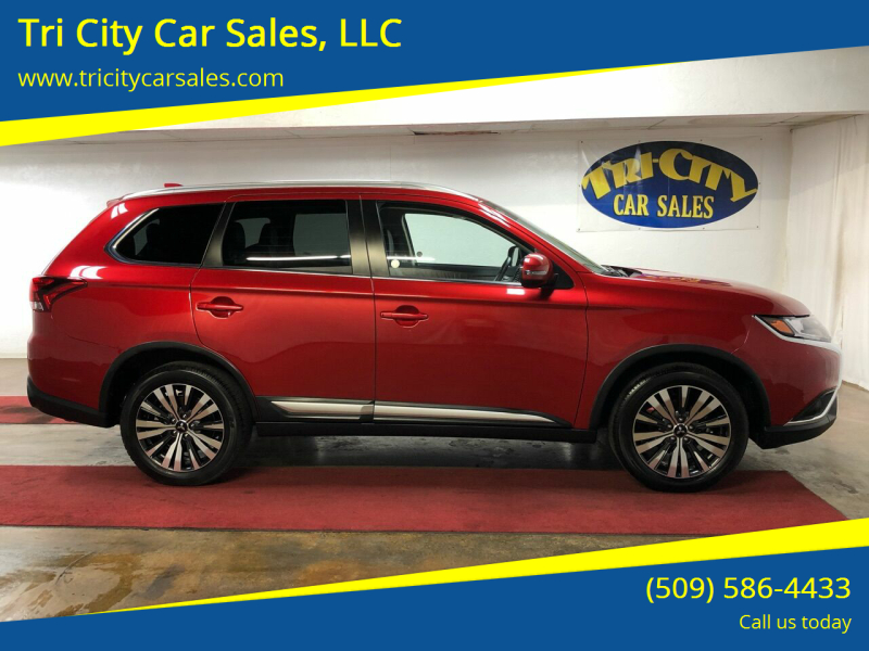 2019 Mitsubishi Outlander for sale at Tri City Car Sales, LLC in Kennewick WA