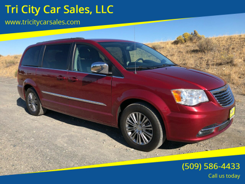 2014 Chrysler Town and Country for sale at Tri City Car Sales, LLC in Kennewick WA