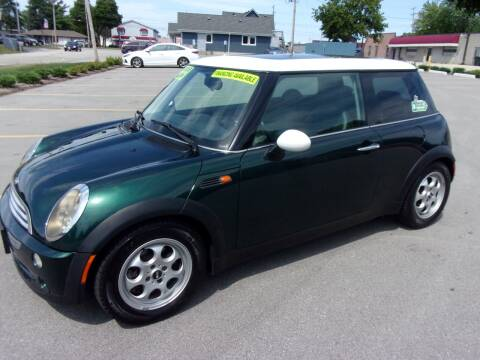 2005 MINI Cooper for sale at Ideal Auto Sales, Inc. in Waukesha WI