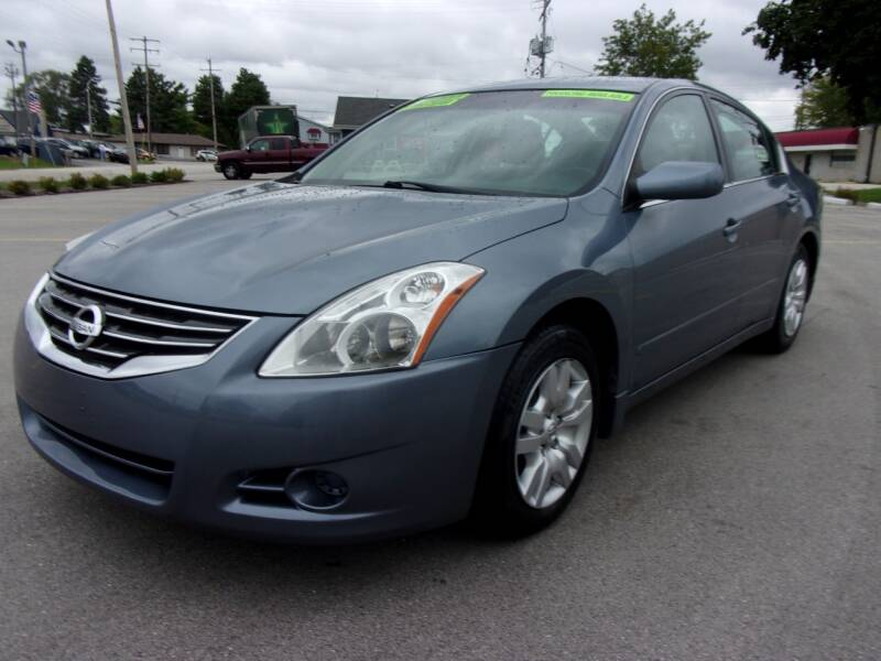 2012 Nissan Altima for sale at Ideal Auto Sales, Inc. in Waukesha WI