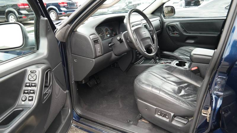 2004 Jeep Grand Cherokee for sale at Hekhuis Motorsports in Rockford MI