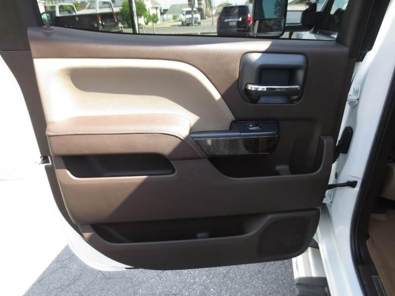 2015 GMC Sierra 3500HD 4x4 Denali 4dr Crew Cab DRW - New Holland PA