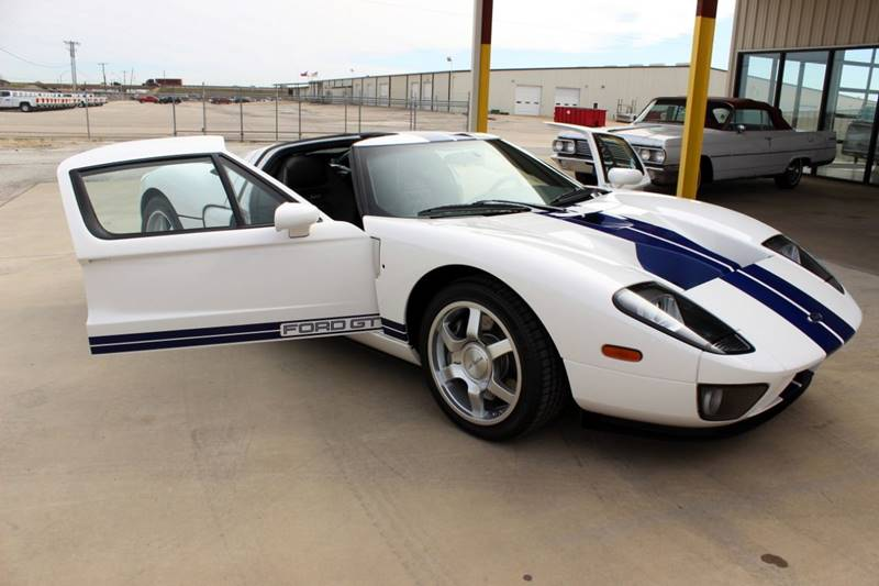 2005 Ford GT 27
