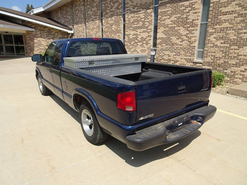 2002 Chevrolet S-10 3dr Extended Cab LS 2WD SB - Clarence IA
