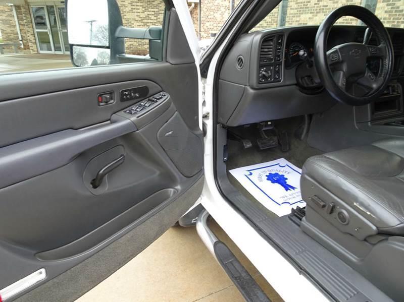 2005 Chevrolet Silverado 3500 4dr Crew Cab LT 4WD LB DRW - Clarence IA