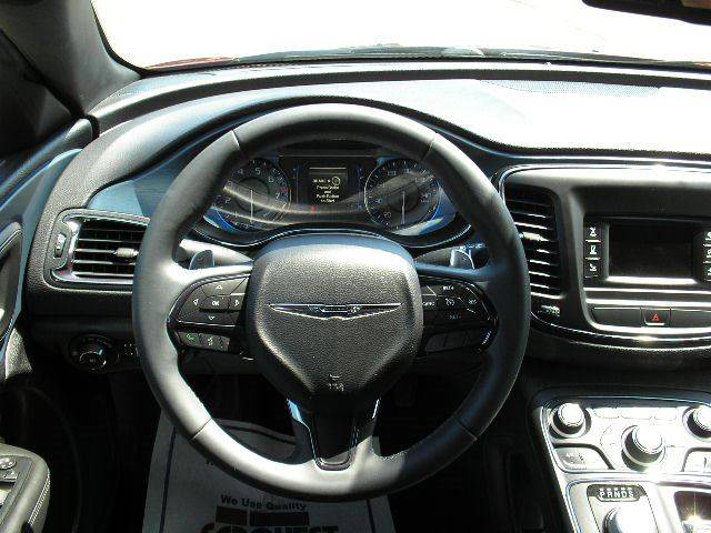 2015 Chrysler 200 AWD S 4dr Sedan - Oshkosh WI