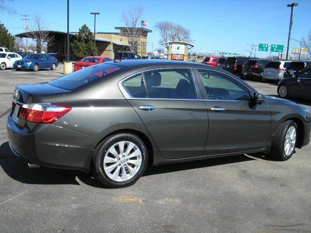 2013 Honda Accord EX-L 4dr Sedan w/Navi - Oshkosh WI