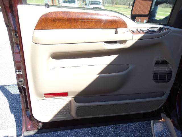 2004 Ford F-250 Super Duty for sale at Bratton Automotive INC in Phenix City AL