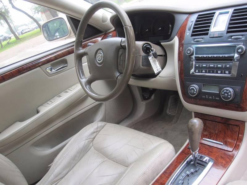 2006 Cadillac DTS Luxury II 4dr Sedan - Austin TX