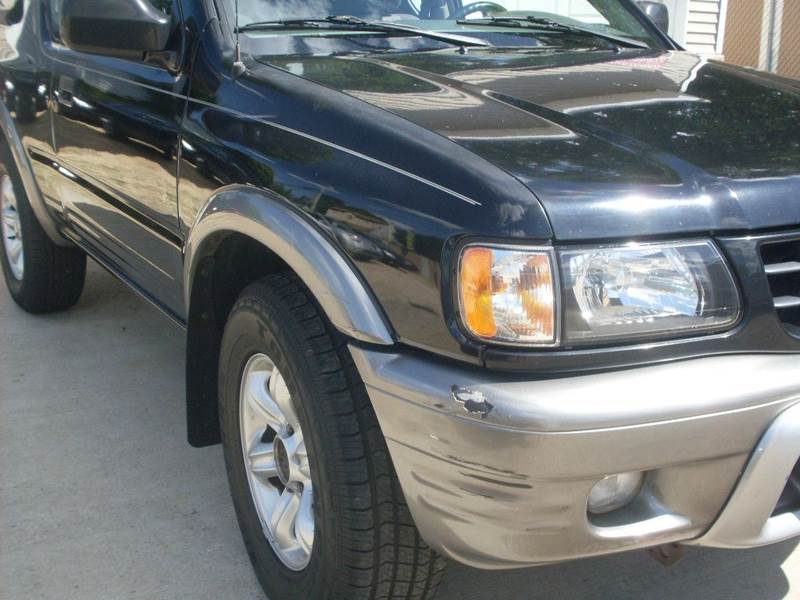 2002 Isuzu Rodeo Sport 2dr S V6 4WD SUV w/ Soft Top In Islip Terrace