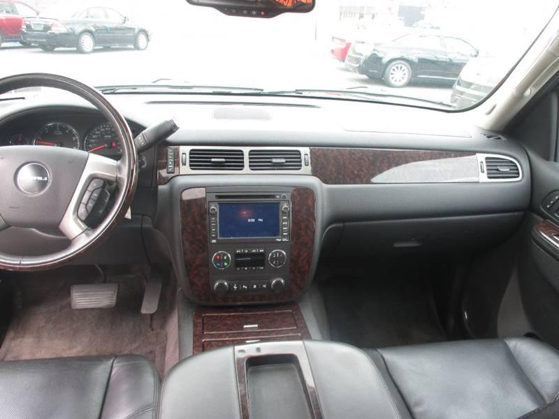 2011 GMC Yukon AWD Denali 4dr SUV - Center Line MI