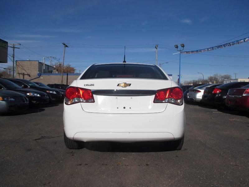 2011 Chevrolet Cruze LS 4dr Sedan - Center Line MI
