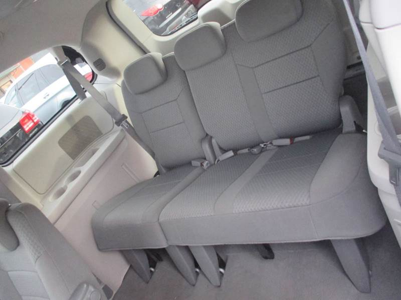 2010 Chrysler Town and Country Touring 4dr Mini Van - Center Line MI