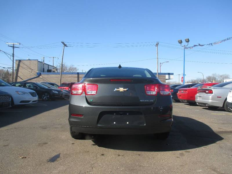 2014 Chevrolet Malibu LS 4dr Sedan - Center Line MI