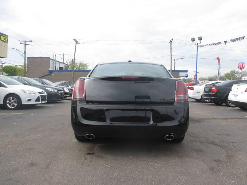 2012 Chrysler 300 Limited 4dr Sedan - Center Line MI
