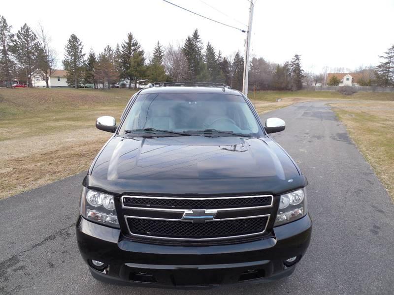 2009 Chevrolet Suburban 4x4 LT 1500 4dr SUV w/ 2LT - Hudson NY