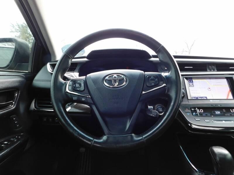 2013 Toyota Avalon 4dr Sdn XLE - Carrollton TX