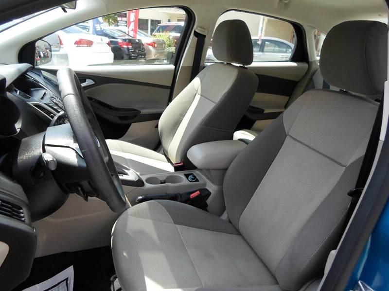 2014 Ford Focus SE 4dr Sedan - Lansdowne PA