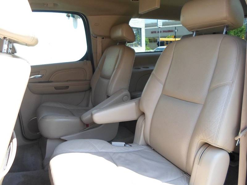 2009 Cadillac Escalade ESV AWD 4dr SUV w/V8 Ultra Luxury Collection - Lansdowne PA