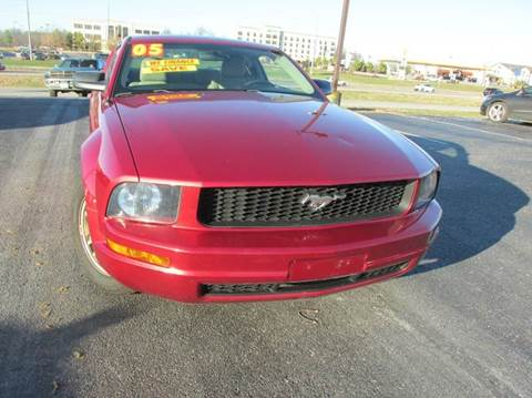 2005 Ford Mustang for sale at Auto World in Carbondale IL