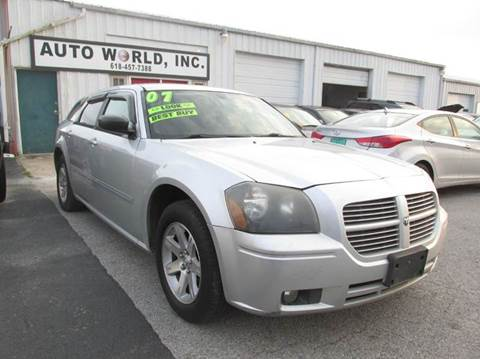 2007 Dodge Magnum for sale at Auto World in Carbondale IL