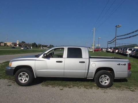 2005 Dodge Dakota for sale at Auto World in Carbondale IL