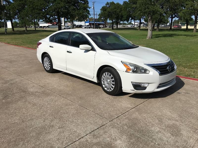2013 Nissan Altima for sale at RP AUTO SALES & LEASING in Arlington TX