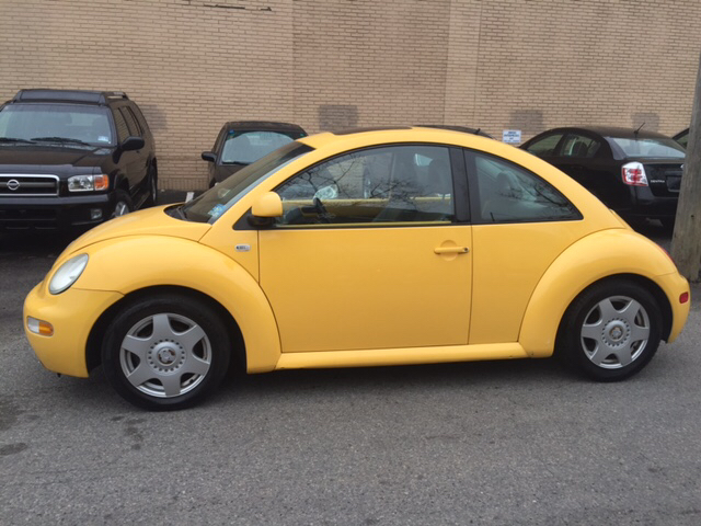 2000 Volkswagen New Beetle 2dr GLS 1.8T Turbo Hatchback - Hasbrouck Heights NJ