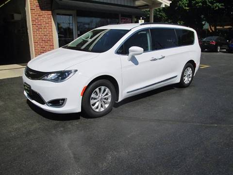 2017 Chrysler Pacifica for sale at D'Acquisto Motors in Racine WI