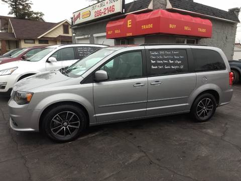 2017 Dodge Grand Caravan for sale at Economy Motors in Muncie IN