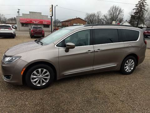 2017 Chrysler Pacifica for sale at Economy Motors in Muncie IN