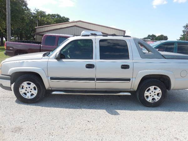 2005 Chevrolet Avalanche for sale at OTTO'S AUTO SALES in Gainesville TX